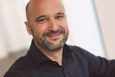Gérard Bodenseh ist bei der ING-DiBa beschäftigt.